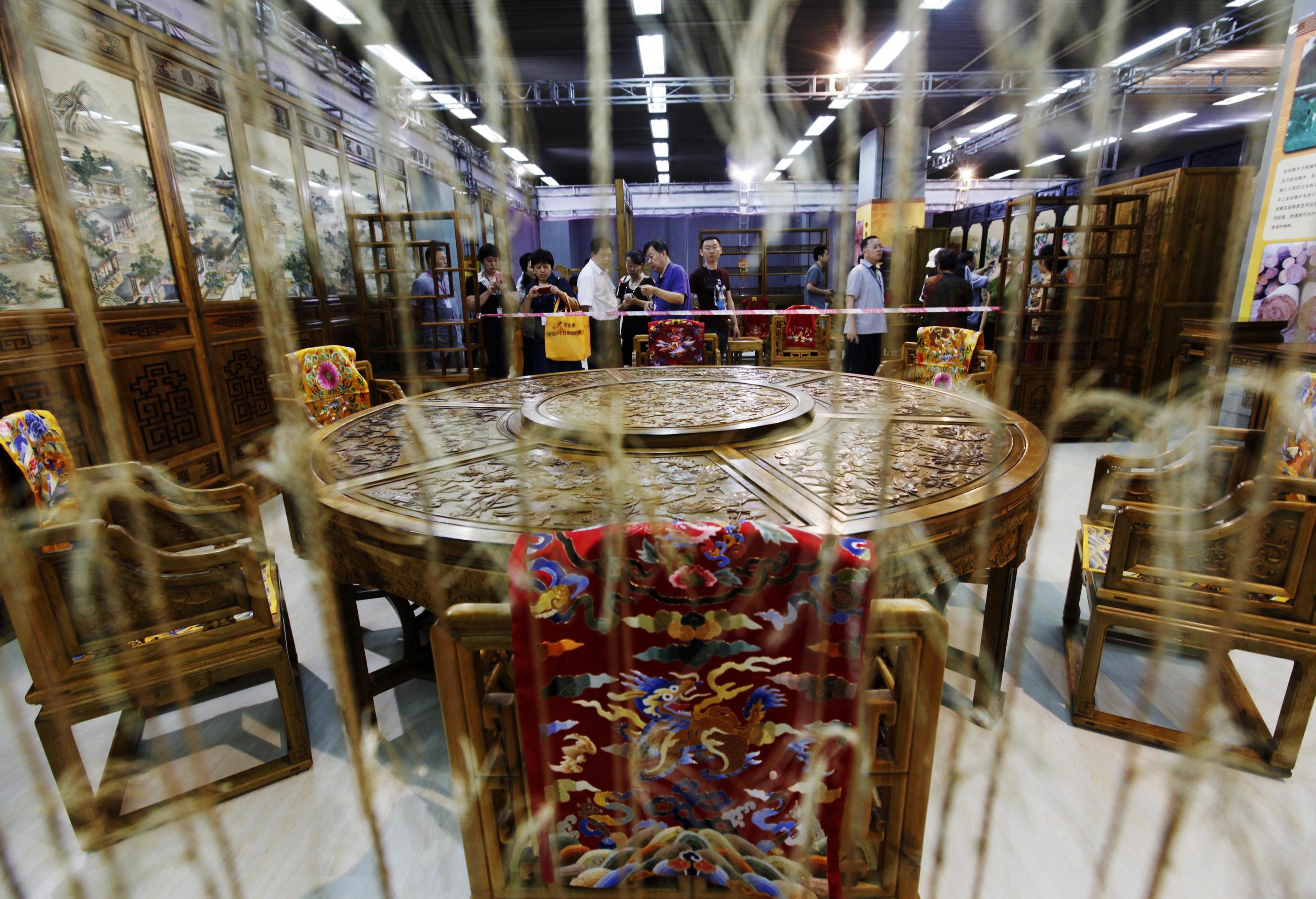 Luxury china 2012 tra super car e porcellane cina pi for Arredamento cinese