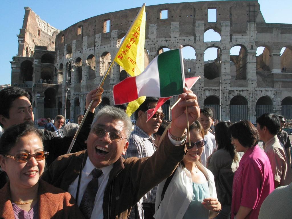 turisti cinesi a roma